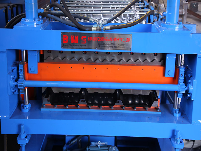 Double laye roofing sheet roll forming machine